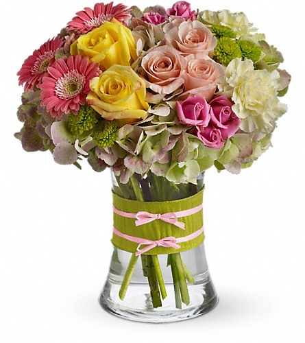 Treat your mom to this fashionable bouquet this Mother's Day!